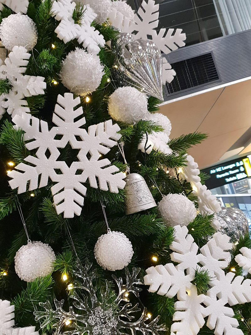 Christmas ... Airport Mega Tree (15ft) 2018