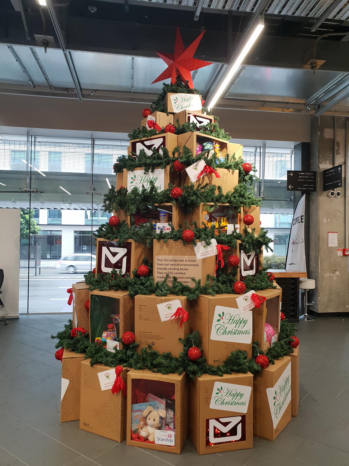 Christmas ... NZ Post Gift Box Tree 2018